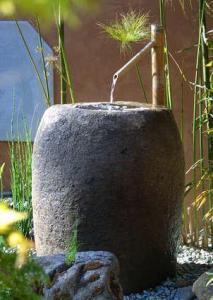 Фонтаны в японском саду