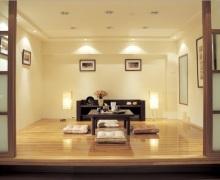 Японская гостиная: шёпот сакур под окном