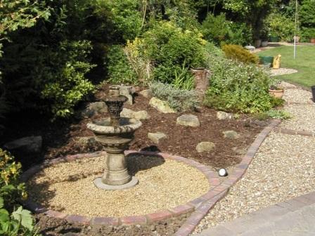 Садовый фонтан без насоса 148